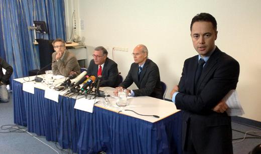 Beeld van de persconferentie.