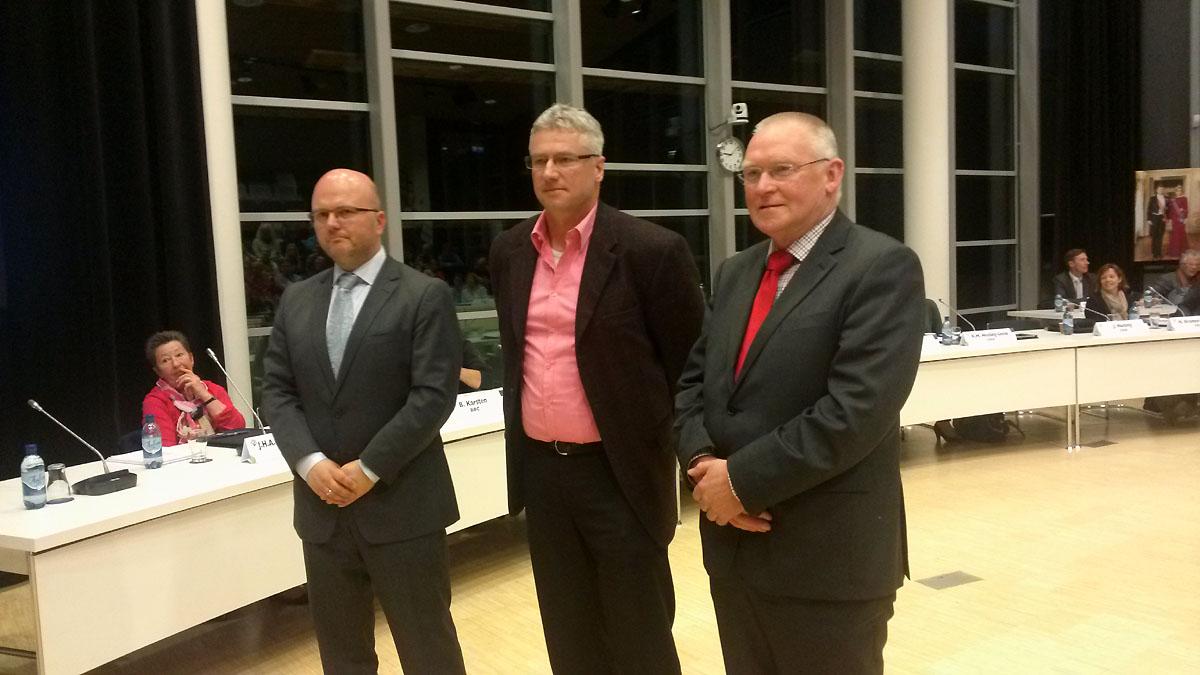 De nieuwe wethouders Jeroen Huizing, Jan Zwiers en Joop Brink.